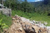 Tilep Anggaran Rp 366 Juta, Proyek TPT Desa Rondo Woing Ambruk dan Cuma Berusia Satu Bulan