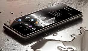 Cara Mengeringkan Smartphone Basah Kena Air
