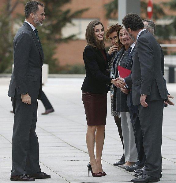 Queen Letizia wore Hugo Boss Jesila Fashion show blazer, Boss Leather Sheath Dress, Lodi Sara Rodas Shoes