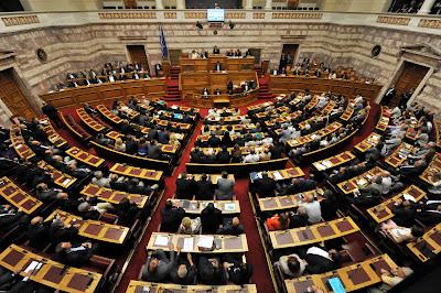 Τη Μεγάλη εβδομάδα η ρύθμιση των 120 δόσεων και το νομοσχέδιο του υπουργείου Άμυνας για τη μείωση της στρατιωτικής θητείας