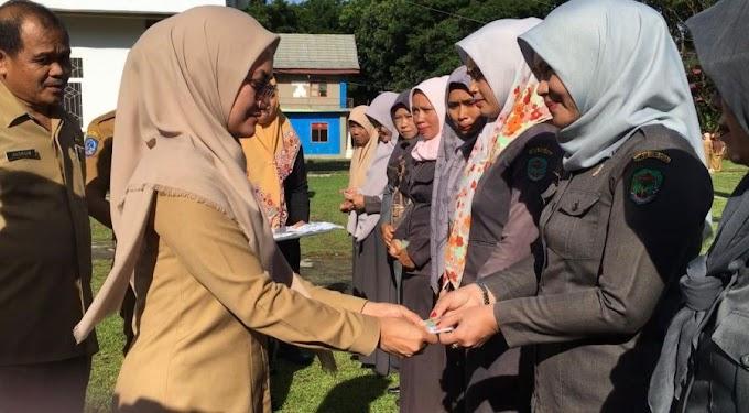 IDP Serahkan Kartu, 1000 Guru Honorer di Luwu Utara Diberikan Jaminan Perlindungan Kerja