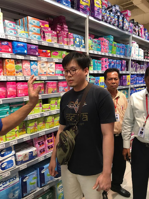 Nasty! Malaysian Pervert Caught Splashing Semen on Unsuspecting Lady at a Supermarket Paolo Gregorio Orduña