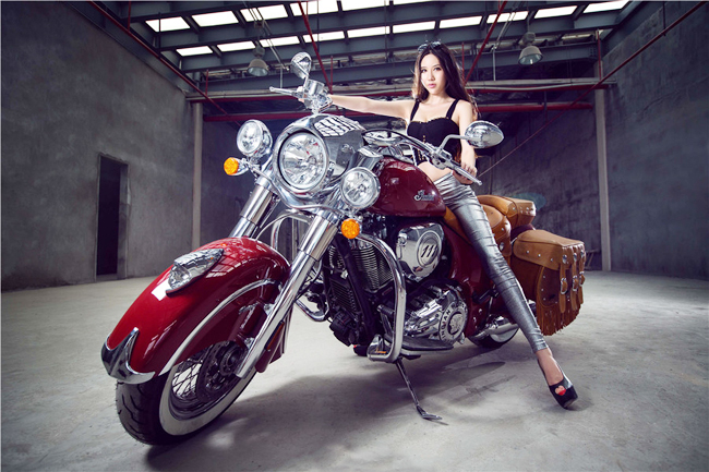 Hotgirl and Indian Chief Vintage 2014