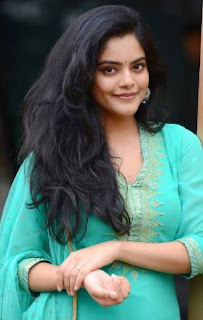 Actress Riddhi Kumar Family Husband Parents children's Marriage Photos