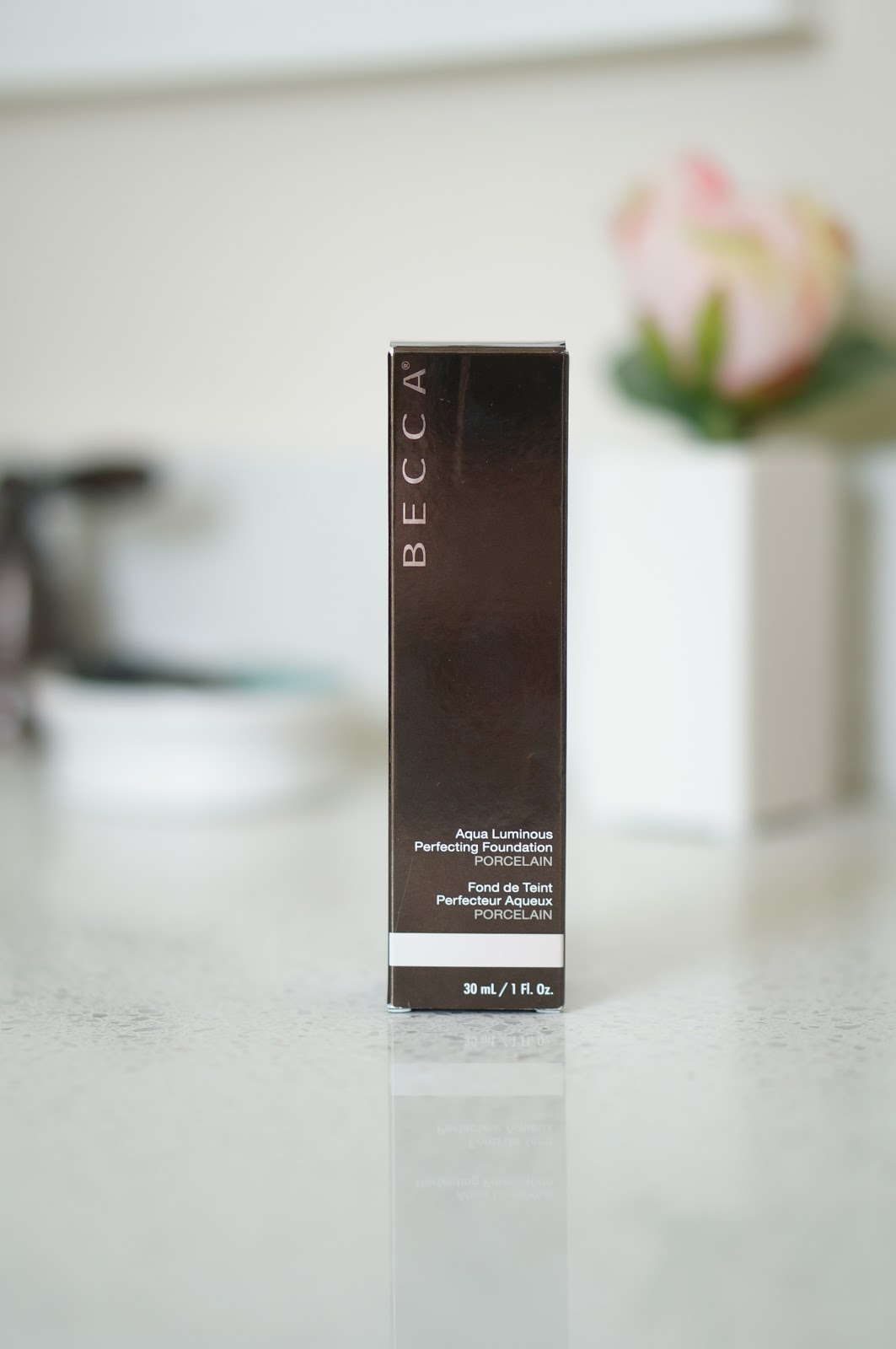 Popular North Carolina style blogger Rebecca Lately shares her review of the Becca Aqua Luminous Perfecting Foundation. Click here for this week's Foundation Friday!