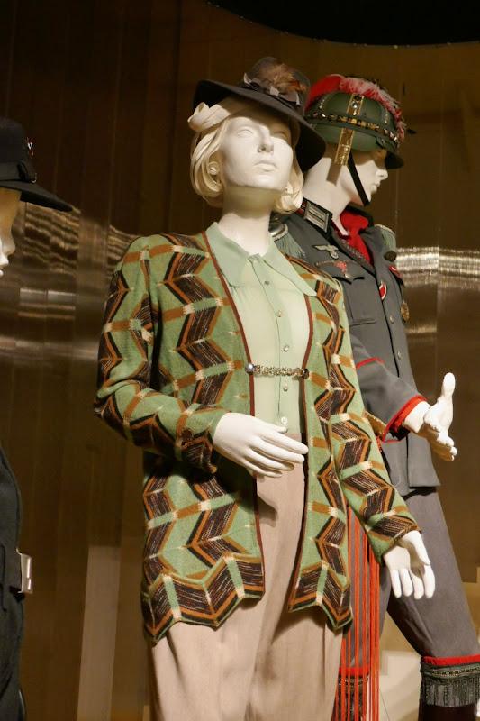 Scarlett Johansson Jojo Rabbit Frau Rosie Betzler costume