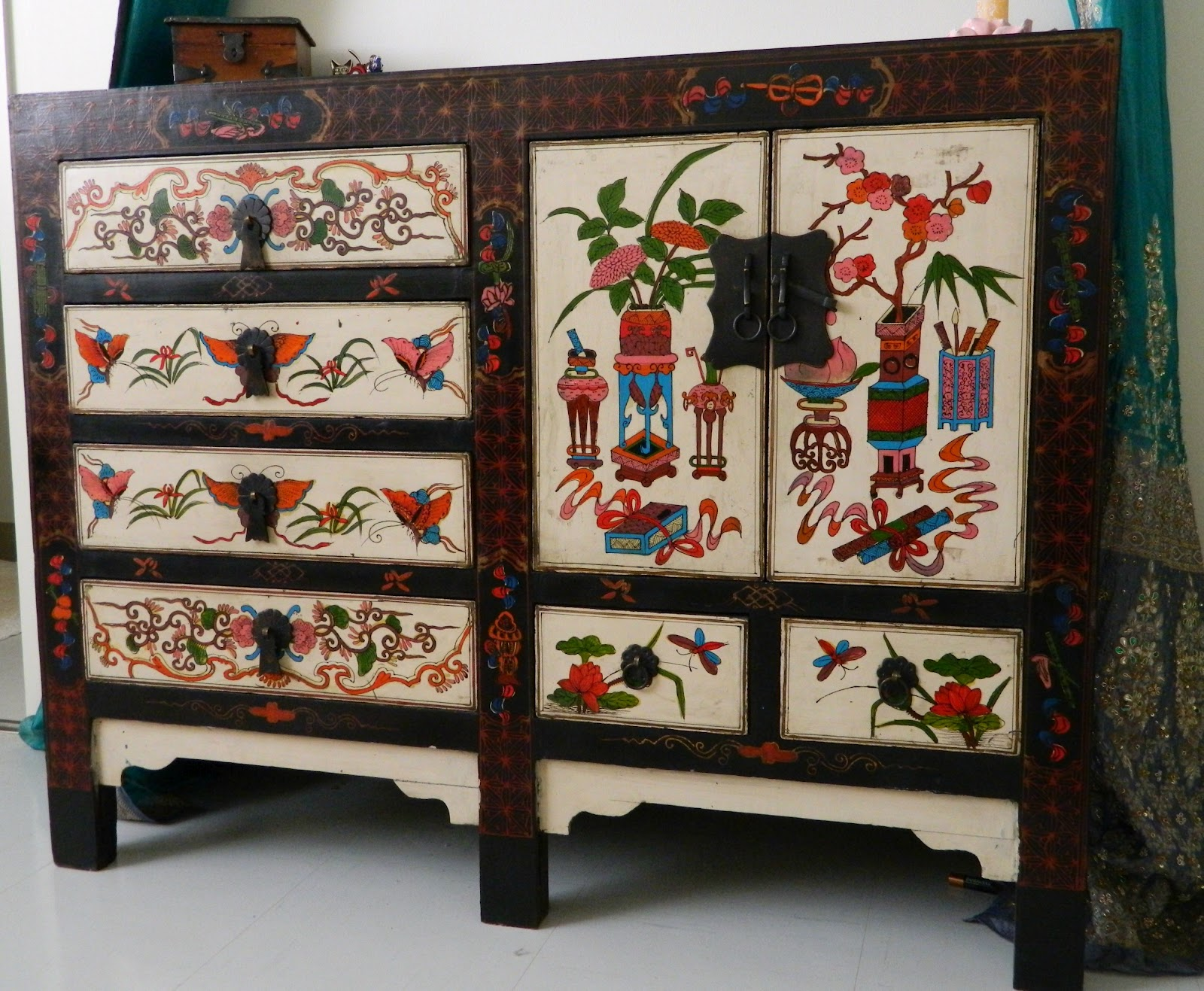 Cool Dressers Furniture House Ideals