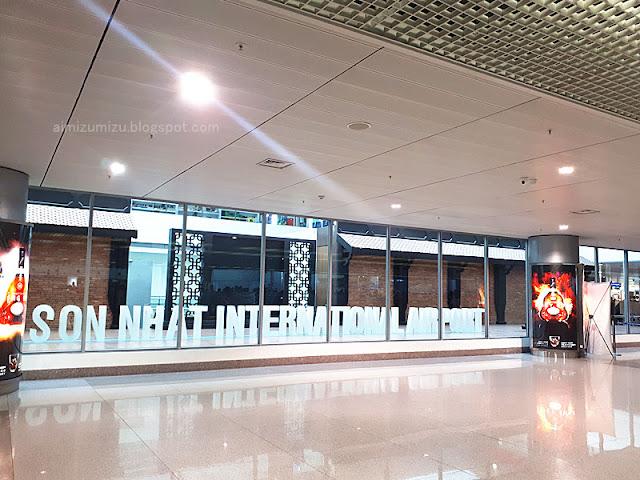 Review Tan Son Nhat International Airport