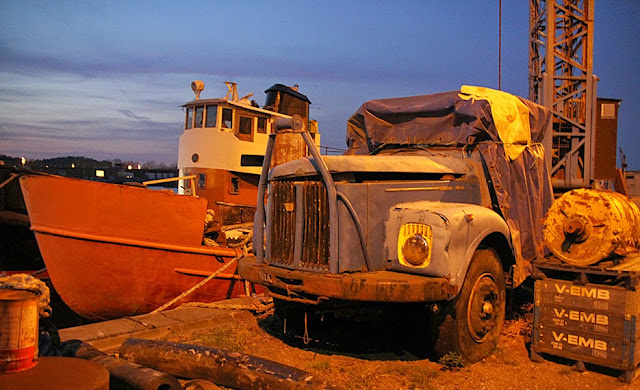 Vrak, bilskrot, scania, bogserbåt