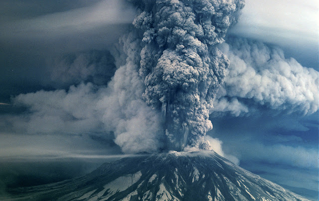 Eruption volcano Mt. St. Helens
