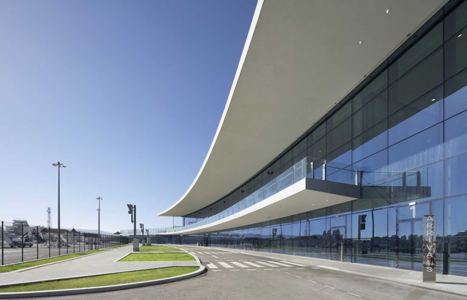 Gibraltar Airport By 3dreid And Bblur Architecture A As