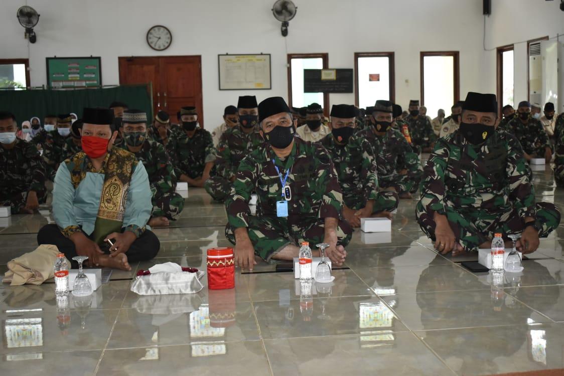 Danrem 043/Gatam hadiri  Do'a Bersama dalam rangka Peringati Hari Juang TNI-AD Tahun 2020 Dan Peringatan Hut Kodam II/Swj Tahun 2021.