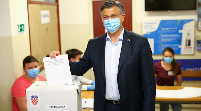 COVID-19: Croatian political leaders vote in post-lockdown election