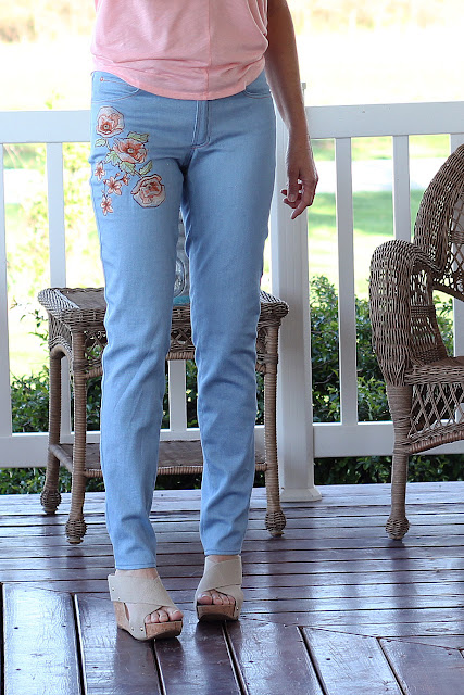 Closet Case Patterns' Ginger jeans made in a light blue stretch denim from Style Maker Fabrics.  Embroidery elements from Urban Threads was added to front