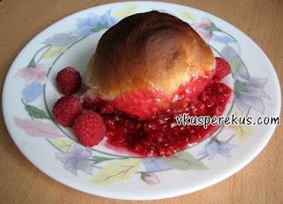 булочки с ягодами