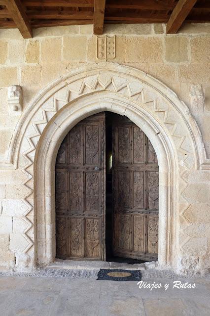Portada del Monasterio de Gradefes, León