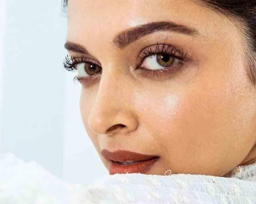 Oily Skin Ke Liye Tips in Hindi Deepika Padukon