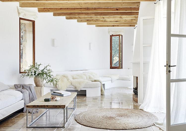 Salón blanco en Mallorca