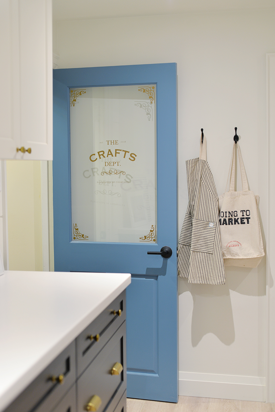 craft room organization tips, craft room layout, craft room design