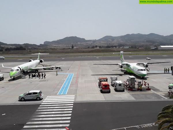 CC alerta que no se ha excluido a Canarias de los planes de gravar los viajes en avión