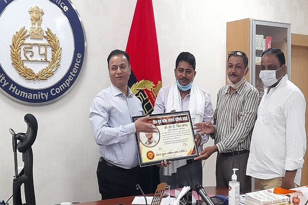 Faridabad- Police-Commissioner-OP-Sing- honored with-Corona-Warriors-Award