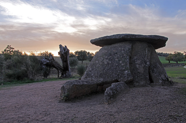 Large megalithic complex catalogued in the region of Alcántara, Spain