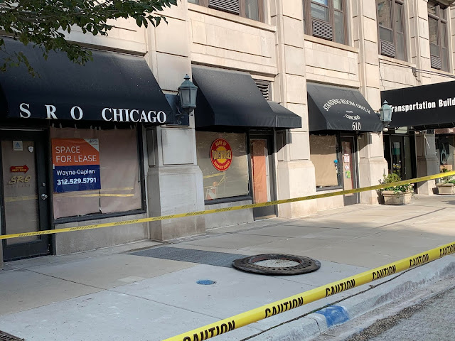 """SRO Chicago Appears to Close As """"Space for Lease"""" Signs Appear"""