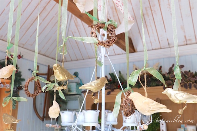 garden-shed-white-washed-wood-groove-ceiling