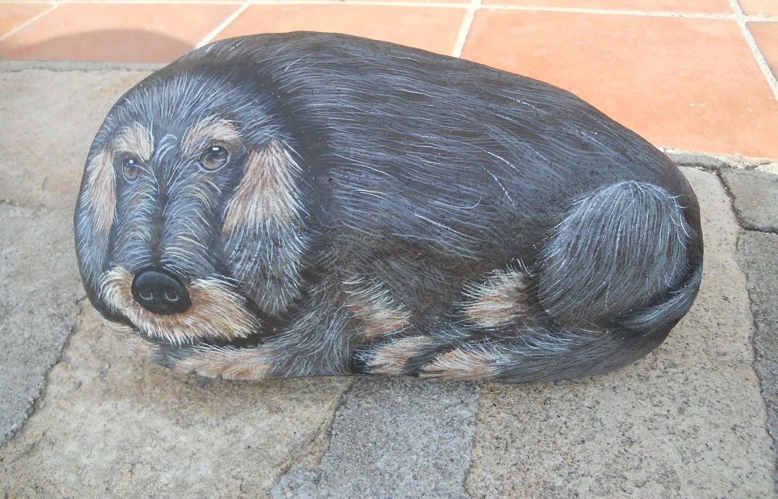 Piedras pintadas a mano como pintar piedras de perros for Tecnica para pintar piedras