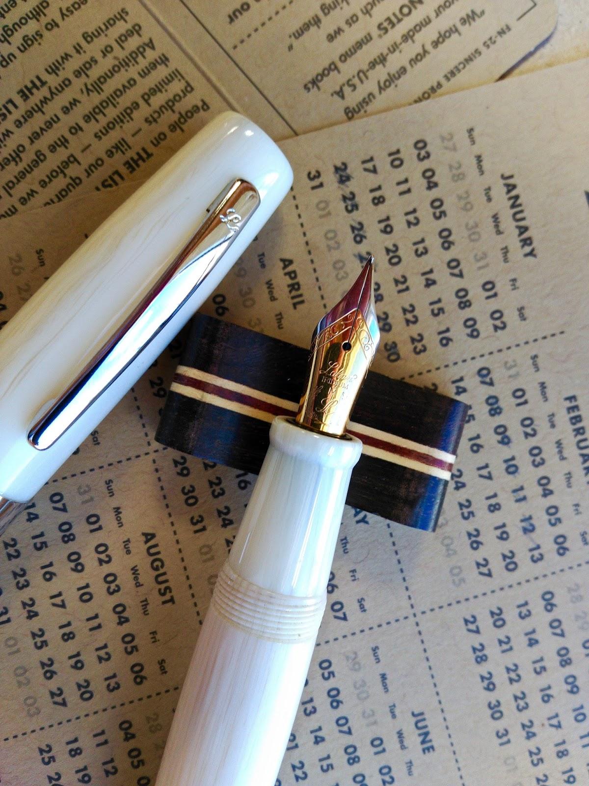Laban Pluma En El Pecho Caja De 18 Bolígrafos