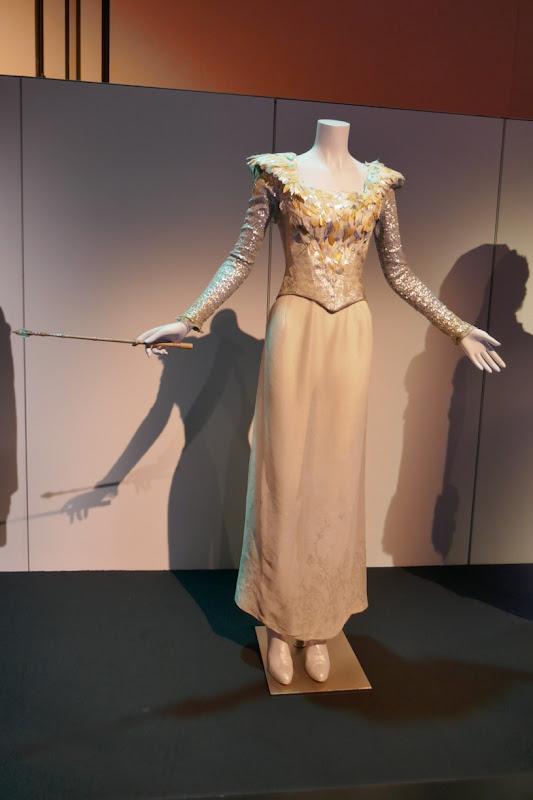 Michelle Williams Oz Great and Powerful Glinda costume