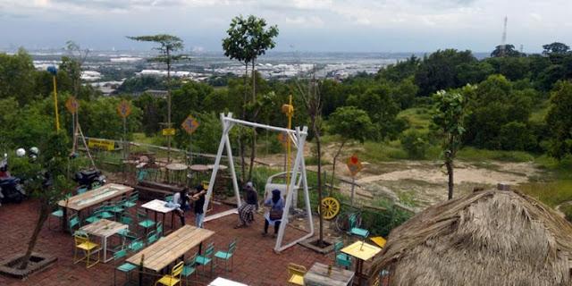 Keindahan pemandangan Cafe Giri Hills