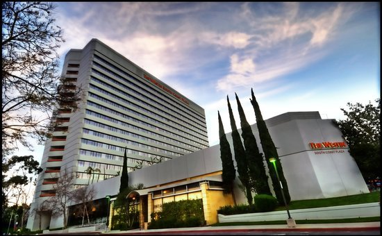The Westin South Coast Plaza, Costa Mesa welcomes guests to Orange County, California with thoughtful hotel amenities and a pet-friendly policy.