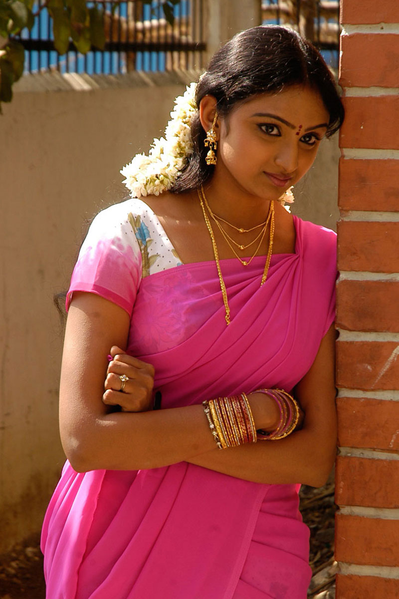 Saree Aunty Sexy Photos