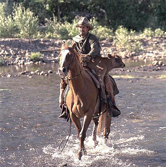 Kevin Costner a caballo en Open Range