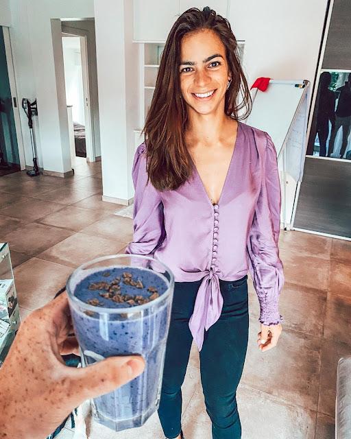 Smoothie violet super-antioxydant pour lutter contre les radicaux libres et prévenir le vieillissement