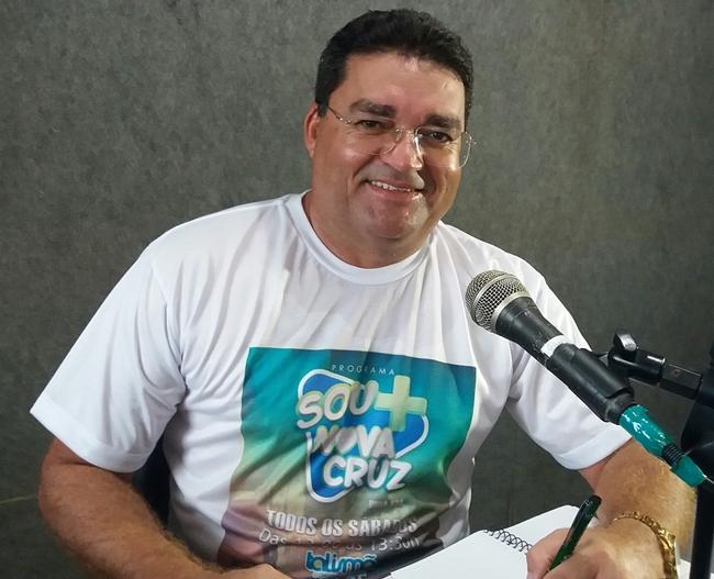 Atenção galera hoje teremos o programa Sou Mais Nova Cruz pela Rádio Talismã FM 99,3 e pelas redes sócias.