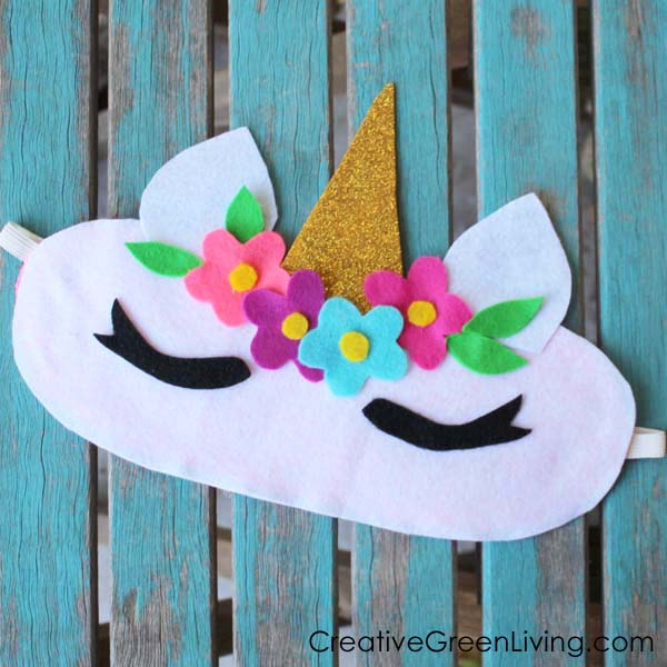 This is the perfect craft tweens and teens to make for a sleepover! Learn how to make a unicorn sleep mask with a sparkly unicorn horn.