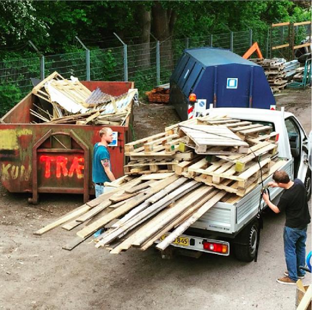 Những tác phẩm nghệ thuật làm từ gỗ tái chế