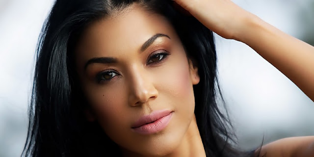 Rosa Mendes Talks Getting Hacked And Being Depressed About Injury