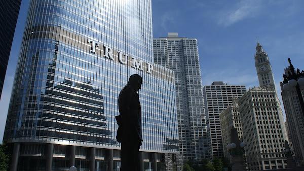 Donald Trump publica lista de empresas acusadas de terem ligações à China e à Rússia