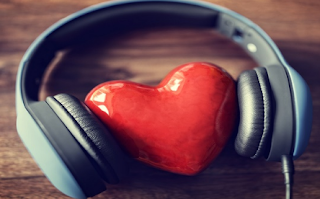 Efek Berbahaya dari Mendengarkan Musik Selama Headphone