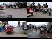 Jelang Lebaran, Sat Pol PP dan Damkar Lamsel Lakukan Penyemprotan di Dua Kecamatan