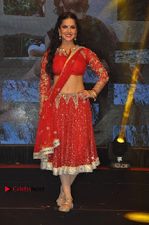 Bollywood Actress Model Sunny Leone Dance Performance in Red Half Saree at Rogue Audio Launch 13 March 2017  0146.jpg