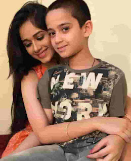 Jannat Zubair Rahmani With Her Brother