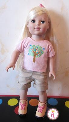 Кукла Madame Alexander Outdoorsy Girl в футболке, шортах и кроссовках