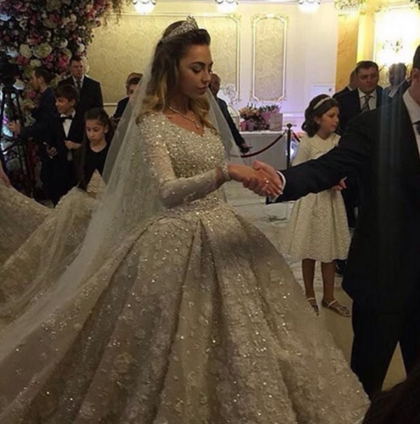 Fulamak...Gambar Perkahwinan Anak Bilionair Yang Tersangat Mewah Pasti Anda Tergamam Melihatnya!