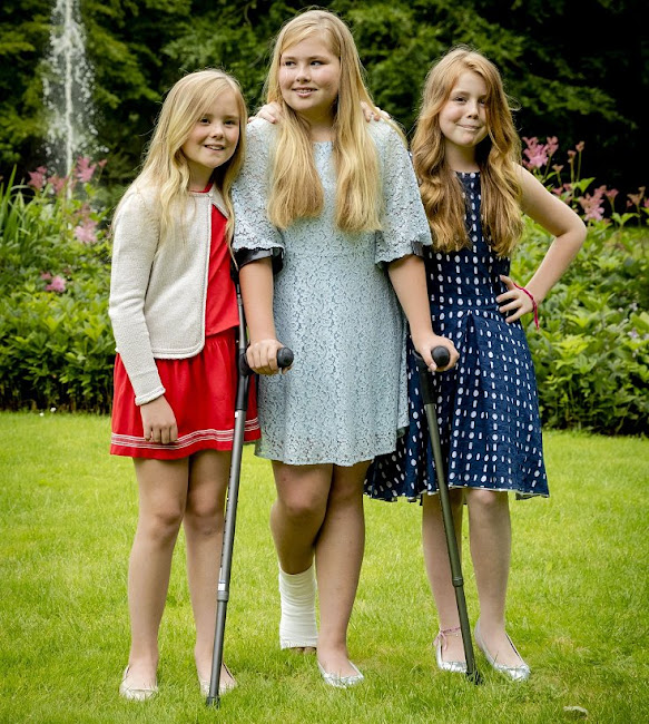 King Willem-Alexander, Queen Maxima, Princess Amalia, Princess Alexia and Princess Ariane at the 2016 Summer photo shoot in Villa Eikenhorst residence. summer style newmyroyals