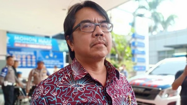 Sebut 'FPI Preman', Ade Armando Akhirnya Dilaporkan ke Polda Metro