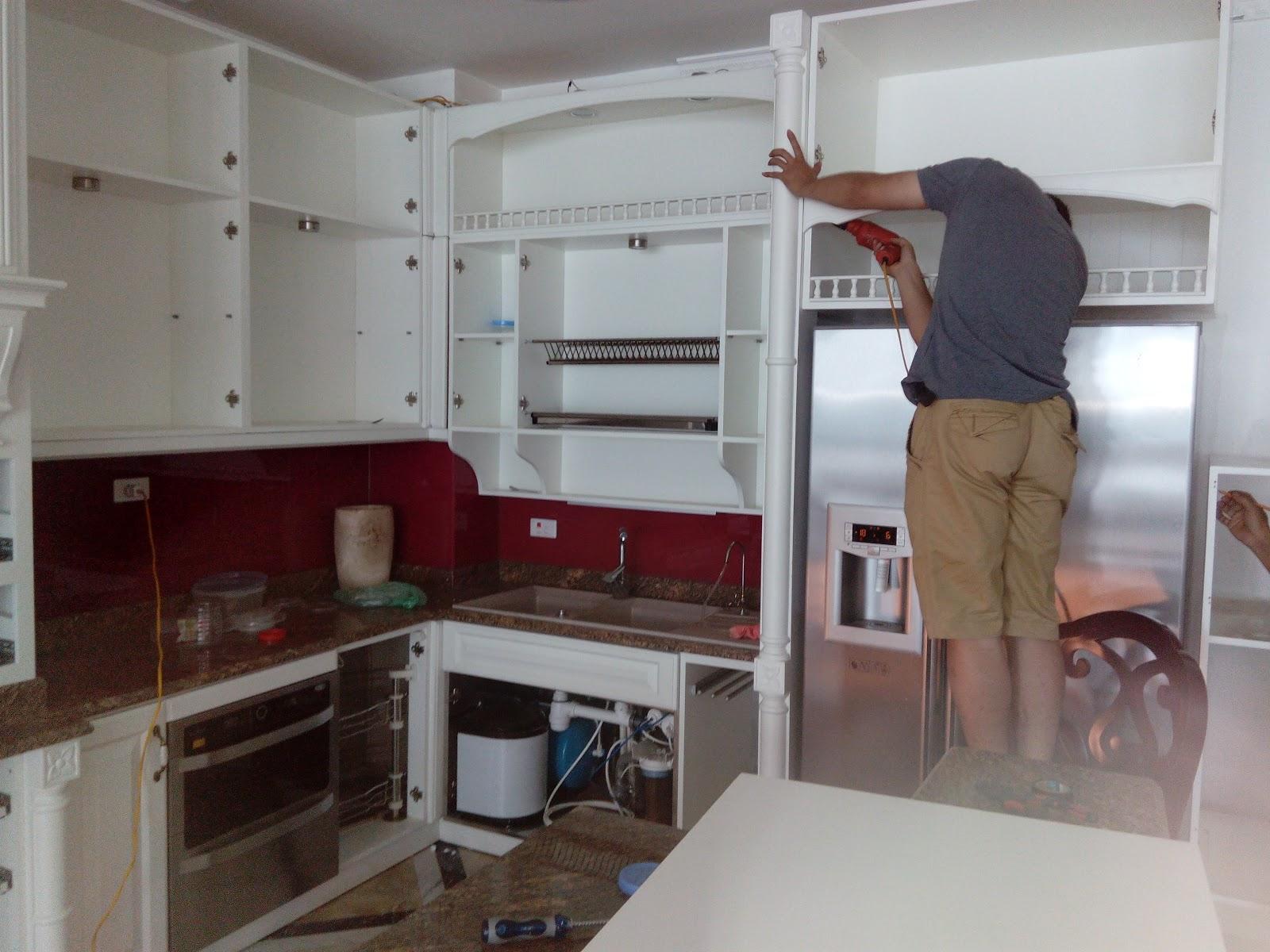 sơn tủ bếp màu trắng
